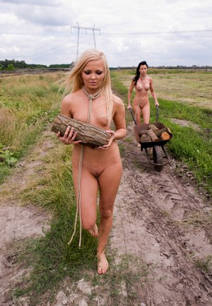 Farm on women naked