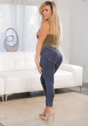 Milf in jeans porn